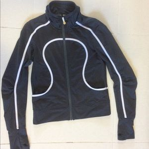 Lululemon jacket sz 8